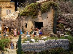 CARPENTRAS 4158 Provence, Holi, 3d, House Styles, Home Decor, Daycares, Kid Drawings, Nativity Sets, Pumpkin Patches