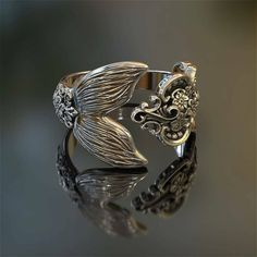 Love these kind of rings! #mermaid