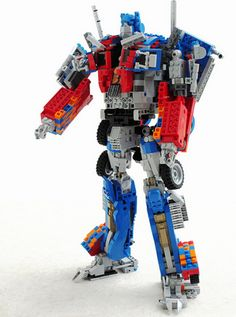 Custom LEGO Optimus Prime Is Huge And Fully Transformable