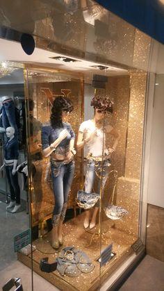 by Denim Window Display, Boutique Ideas, Decoration, Fashion Boutique, Showroom, Tat, Windows, Mirror, Girls