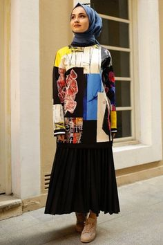 Satin, Fashion, Moda, Fashion Styles, Elastic Satin, Fashion Illustrations, Silk Satin