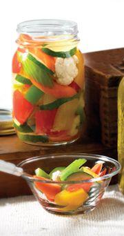 Hot Pickle Mix J'aimerais faire cette recette avec vinaigre de riz,  omettre le raifort pour un petit gout Thai
