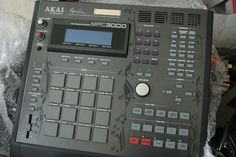 Oregon Hip-Hop Producer, Design Addict, Tech Junkie, and Fan of Music. Hip Hop Drum, Hip Hop Producers, J Dilla, Recording Equipment, Drum Machine, Music Production, Bap, Recording Studio, Music Stuff