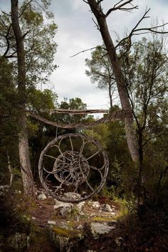 In An Extraordinary Act Of Devotion To His Art Sculptural Artist - Artist spends year woods creating beautiful sculptures