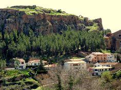 Alpuente 2015 04: Vista frontal de la muela del Castillo de Alpuente