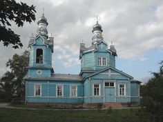 Tambov region, Archangel Michael Church in the village Ternovoe was built in 1776, and is unsurpassed beauty of the monuments of wooden architecture. Peculiarity of this temple is a blend of traditional rural church wooden architecture with unusually richly decorated facade.
