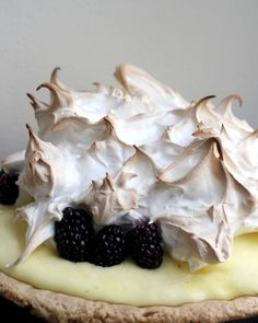 Lime Blackberry Italian Meringue Pie - Joanne Eats Well With Others Pie Recipes, Baking Recipes, Dessert Recipes, Just Desserts, Delicious Desserts, Yummy Food, Meringue Pie, Italian Meringue, Blackberry Recipes