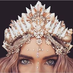 ideas hair rose gold outfit - All About Gold Outfit, Shell Crowns, Mermaid Tails, Mermaid Crowns Diy, Rose Gold Hair, Fantasy Jewelry, Tiaras And Crowns, Cute Jewelry, Hair Accessories