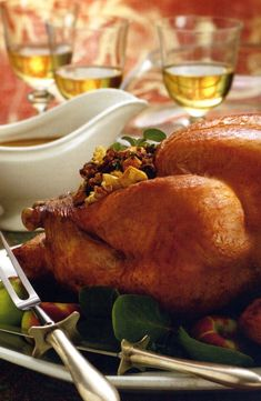 Take your holiday to the next level with these delicious favorite Thanksgiving recipes from Julee Rosso's Silver Palate Cookbook. Healthy Christmas Recipes, Stuffing Recipes For Thanksgiving, Easy Dinner Recipes, Gourmet Recipes, Holiday Recipes, Christmas Stuffing, Dinner Ideas, Silver Palate Cookbook, Roast Turkey Recipes