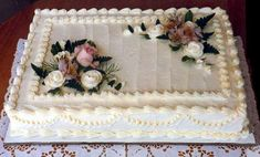 Wedding Sheet Cakes Decorated With Flowers And Decor Love Wedding Sheet Cakes, Birthday Sheet Cakes, Wedding Cake Photos, Cake Wedding, Cake Birthday, Wedding Table, Happy Birthday, Costco Sheet Cake, Pastel Rectangular