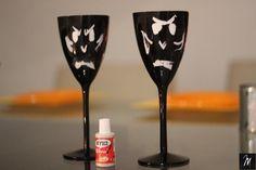 Taça Vampiro Halloween, Flute, Champagne, Tableware, Diy, Ideas, Dinnerware, Flutes, Dishes