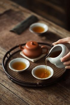 Traditional Kashmiri kahwa is known for its strong aroma and it is perfect mixture of indian spices - Almonds, Cardamom , Cinammon and Saffron tea ware Matcha, Momento Cafe, Tea Time Magazine, Tee Kunst, Thé Oolong, Tea Culture, Japanese Tea Ceremony, Chinese Tea, Tea Art
