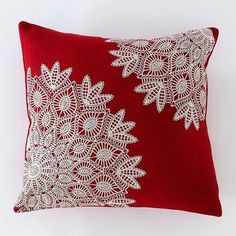 Red & White Lace Pillow - Sheri Soistman - - Red & White Lace Pillow Red & White Lace Pillow – a great way to use old doilies – they resemble snow flakes….how pretty! Crochet Cushions, Sewing Pillows, Crochet Pillow, Crochet Doilies, Doilies Crafts, Fabric Crafts, Sewing Crafts, Sewing Projects, Burlap Crafts