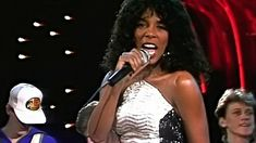 Donna Summer - She Works Hard For The Money - ( Alta Calidad ) Full HD Disco Songs, Classic Songs, Musicals, Youtube, Summer, World, Summer Time, Youtubers, Youtube Movies