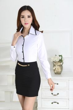 image Corporate Fashion, Corporate Attire, Simple Formal Dresses, Button Up Shirt Womens, Kurti Neck Designs, Uniform Shirts, Moda Chic, Professional Dresses, Work Blouse