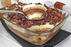 O Pavê Alpino é fácil de fazer, delicioso e sofisticado. Faça para a sobremesa dos seus convidados e receba muitos elogios! Veja Também:Pavê 5 Leites Veja