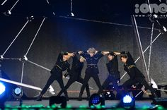 SHINee WOW!! {PICS} 150328 Key – Music Bank Live in Hanoi   Key International Fanpage