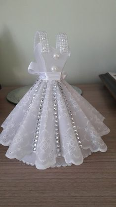 Prom Dress Plus Size, V Neck Sleeveless Stain Wedding Dresses,A Line Tulle Bridal Dresses Tutu Party Decorations, Wedding Wine Glasses, Dress Card, Ribbon Sculpture, Parchment Craft, Flower Template, Barbie Clothes, Creations, Flower Girl Dresses