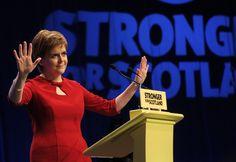 "Nicola Sturgeon Mocks ""Pig-Headed"" David Cameron - BuzzFeed News"
