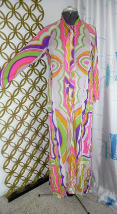 Groovy Vintage 1960s Saks Fifth Avenue Psychedelic Caftan by Eduardo-Pucci Inspired