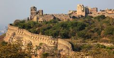 Chittorgarh Fort is the largest fort in India. It is a UNESCO world heritage site. Experience this fort through Palace on Wheels train which gives complete royalty inside the train.