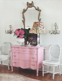 pink french dresser..... fabulous!
