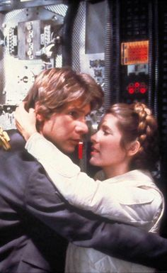 Han Solo and Princess Leia - Star Wars Star Wars Cast, Leia Star Wars, Star Trek, Star Wars Brasil, Starwars, Princesa Leia, Han And Leia, Star Wars Love, Star Wars Pictures