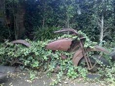 harley stuff, motorcycl, proper garden, garden sweet, yard art, art apropergarden, sweet garden, guy stuff, yards