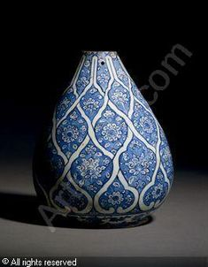 IZNIK CERAMIC, 16 > (Turkey)  Title : BOTTLE BASE  Date : ca 1510  BOTTLE BASE sold by Christie's, London, on Tuesday, April 13, 2010