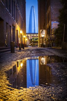 Blue Arch Alley, Laclede's Landing in St. Oh The Places You'll Go, Great Places, Beautiful Places, Places To Visit, Saint Louis Arch, St Louis Mo, Wisconsin, Michigan, St Louis Blues