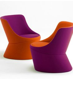The DIDI chair features the simple design and clean lines that are synonymous with Busk + Hertzog'sdesign aesthetic.