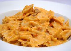 Un plato de pasta sencillo y delicioso y con una crema de Calabaza muy especial.