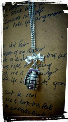 Necklaces & Pendants Cooperative Vintage Game Undertale Flower Sans Video Gaming Necklace Silver Steampunk Jewelry Womens Long Chain Mens 2017 Pendant Antique Us Pendants