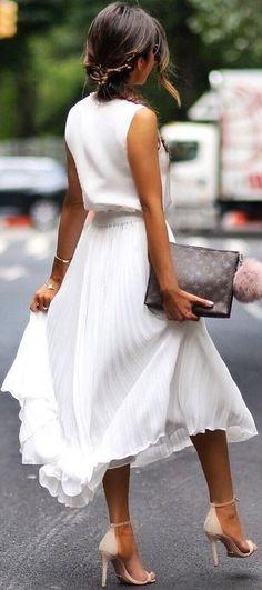 Edles aber gleichzeitig luftiges weißes Kleid. by ZaraFee