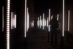 Array is a field of columns set in the courtyard of the Chuya Nakahara Memorial Museum in Southern Japan. The columns create a field of light and sound, gently shifting in response to the viewers' movements via a hidden network of ultrasonic sensors. Driveway Lighting, Stage Lighting, Cool Lighting, Lighting Design, Dark Fantasy Art, Royal Ballet, United Visual Artists, Interactive Art, Light And Space