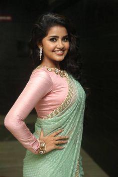 Anupama Parameswaran In Green Saree At Vunnadi Okate Zindagi Movie Audio Launch Anupama Parameswaran, Saree Photoshoot, Green Saree, Glamour, Most Beautiful Indian Actress, Beautiful Girl Image, Indian Beauty Saree, Saree Dress, Indian Attire