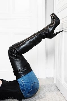 Black leather thigh boots and jeans Thigh High Boots Heels, Black High Heels, Knee Boots, Heeled Boots, Shoes Heels, Crotch Boots, Leder Boots, High Leather Boots, Black Leather