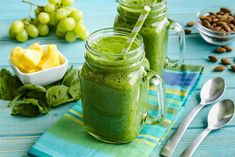 There are so many variations to prepare smoothies. You can use almost all fruits or vegetables.In this green smoothie recipes article we are giving you the ingredients of smoothies. They are for weight loss and detox, full organic and easy. Easy Smoothies, Green Smoothie Recipes, Juice Recipes, Cleanse Recipes, Avocado Recipes, Fruit Smoothies, Detox Verde, Smoothies Verdes, Natural Energy Drinks