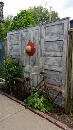 Ideas for Decorating your Garden Fence (DIY) - Ideas for Decorating your Garden Fence (DIY) - Benny Jenks Ideas for Decorating your Garden Fence (DIY) fence decor backyard: garden decor ideas (garden fence ideas) - Cheap Privacy Fence, Privacy Fence Designs, Backyard Privacy, Backyard Fences, Backyard Projects, Backyard Landscaping, Backyard Ideas, Landscaping Ideas, Diy Projects