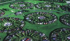 PAST: Inspired by Carl Theodor Sørensen's oval allotments, the municipality of Brøndby and landscape architect Erik Mygind created these circular community allotment gardens in 1963. (restance, 2012)
