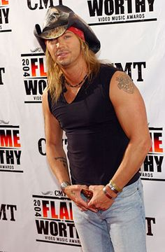 Bret Michaels during CMT 2004 Flame Worthy Video Music Awards - Arrivals at Gaylord Entertainment Center in Nashville, Tennessee, United States. Get premium, high resolution news photos at Getty Images Bret Michaels Poison, Bret Michaels Band, Country Music Stars, Country Singers, 80s Hair Bands, Play That Funky Music, Good Music, Amazing Music, Music People