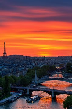 Paris, France with a beautiful sunset such a romantic city full of surprises. The perfect city for HeyyThere to start as a company - come say hi !