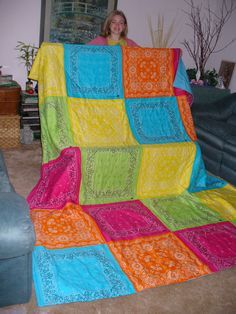 Made this quilt for Cassies bed 20 bandanas from WalMart 1 each Queen size flat sheed from KMart clearance 12 Queen batting from JoAnns Fabricssale 17 Happiness from my t. Quilting Room, Quilting Projects, Quilting Designs, Bandana Quilt, Bandana Bib, Fabric Crafts, Sewing Crafts, Bandanas, Bandana Crafts