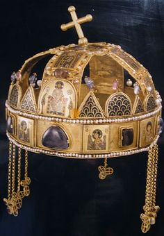 St. Stephen's Crown - wave pattern on an ancient Hungarian crown