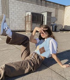 Indie Fashion, Aesthetic Fashion, Aesthetic Clothes, Streetwear Fashion, 90s Aesthetic, Teen Fashion Outfits, Retro Outfits, Cute Casual Outfits, Vintage Outfits