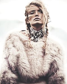Reina de las Nieves by Andreas Ortner for Vogue Spain November 2014 13 Boho Gypsy, Bohemian Style, Boho Chic, Moda Boho, Fur Fashion, Winter Fashion, Luxury Fashion, Editorial Photography, Fashion Photography