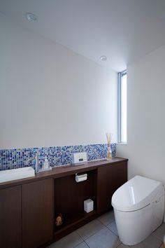 ホテルのスイートルームのような家・間取り(大阪府豊中市)  高級住宅・豪邸   注文住宅なら建築設計事務所 フリーダムアーキテクツデザイン Interior Architecture, Interior And Exterior, Kitchen Doors, Best Mom, My House, Beautiful Homes, Toilet, Cool Designs, Sink