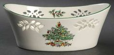 Spode Christmas Tree (Green Trim) at Replacements, Ltd Christmas Dining Table, Spode Christmas Tree, Christmas Dishes, Christmas Bells, Christmas Ideas, Food Decoration, Dinnerware, Plates, Crystals
