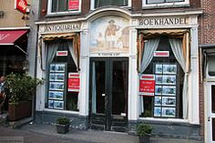 Former antiques and book shop turned to real estate agent (Canadian Pacific) Tags: holland netherlands dutch shop leiden store south nederland front winkel zuid boekhandel koninkrijkdernederlanden antiquariaat aimg1282 rsmithskamp