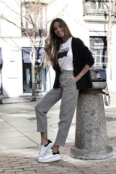 Some special looks⏸ Gray➕Black & White ‼️ Neue Outfits, Chic Outfits, Spring Outfits, Office Outfits, Fashion Outfits, Fashion Clothes, Outfits Pantalon Negro, Hijab Look, Mode Inspiration